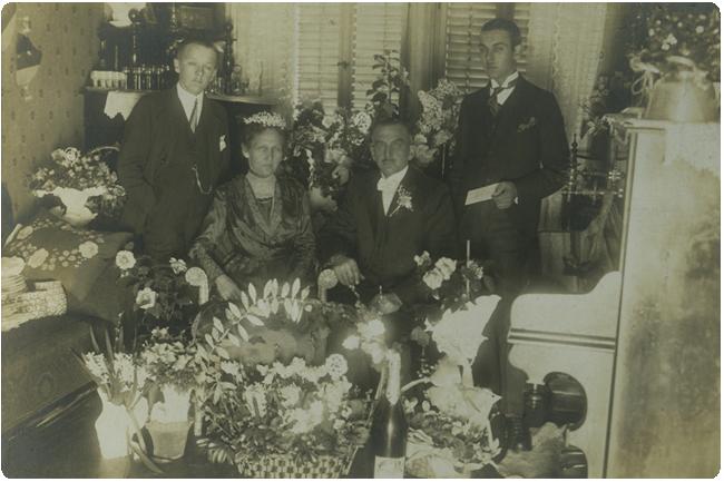 mit seiner Frau Anna und seinen Söhnen Johannes und Georg